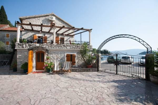 Hotel Villa Serventi