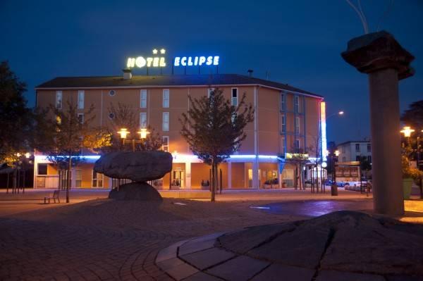 Lyon Est Hôtel Éclipse The Originals City (ex Inter-Hotel)