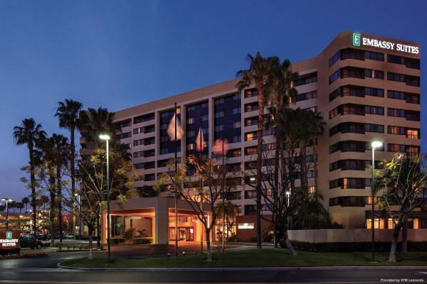 Hotel Embassy Suites by Hilton Anaheim Orange