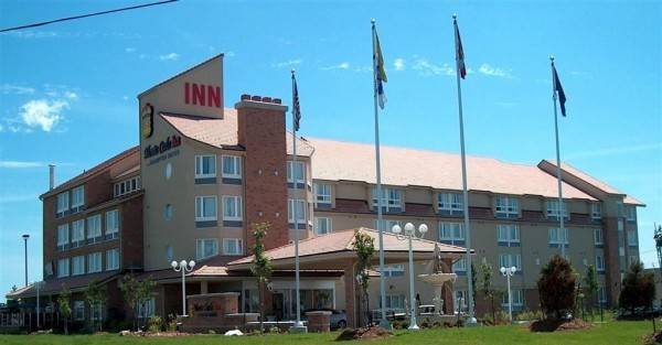 Monte Carlo Inns - Brampton Suites
