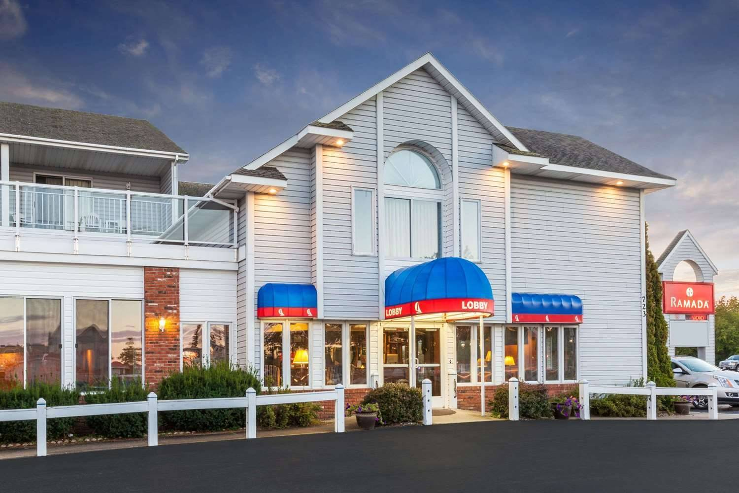 Hotels In Mackinaw City Michigan Top Deals At Hrs