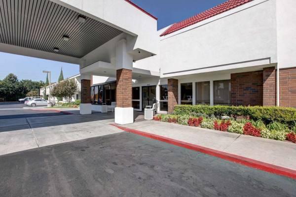 Motel 6 Santa Ana, CA - Irvine - Orange County Airport