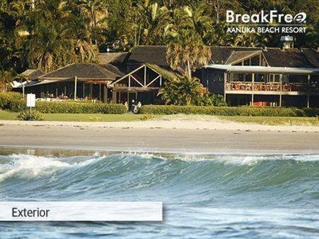 Hotel Breakfree Aanuka Beach Resort