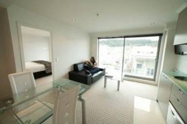 Hotel Distinction Wellington Century City