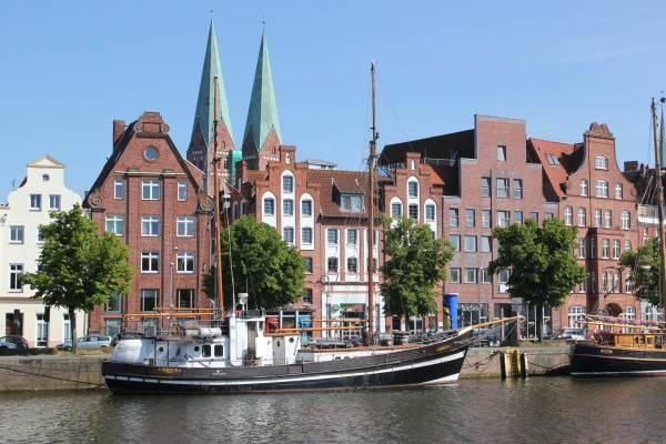 Hotel Apartment Traveblick am Museumshafen