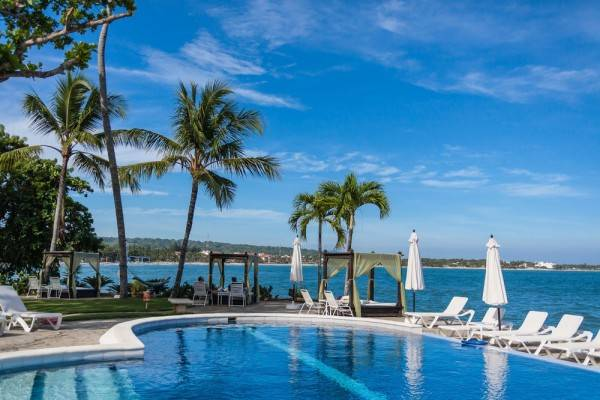 Hotel Velero Beach Resort