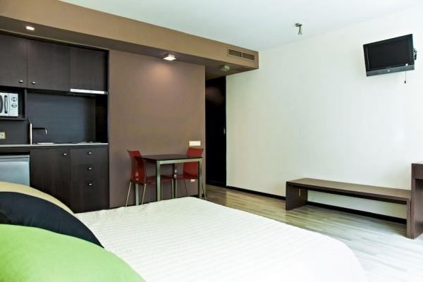 Hotel Ginosi Centric Apartel