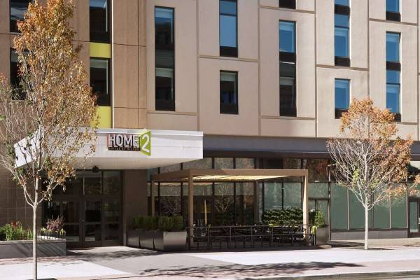 Hotel Home2 Suites by Hilton Philadelphia - Convention Center PA