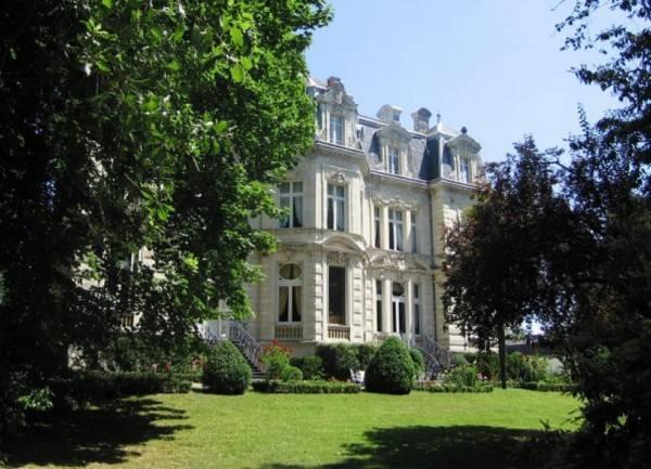 Hotel The Originals Collection Château de Verrières (ex Relais du Silence)