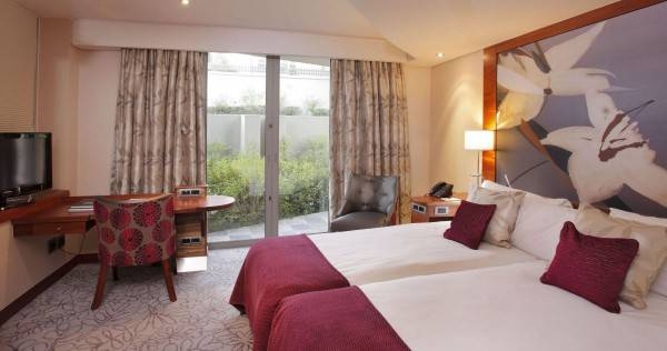 THE IVY VILLA HOTEL AND SPA