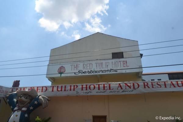 Red Tulip Hotel