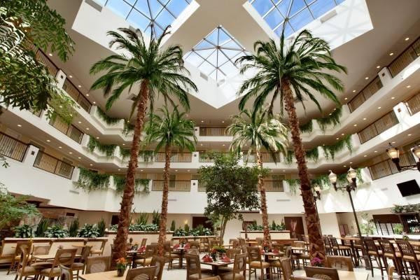 Embassy Suites by Hilton La Quinta Hotel - Spa