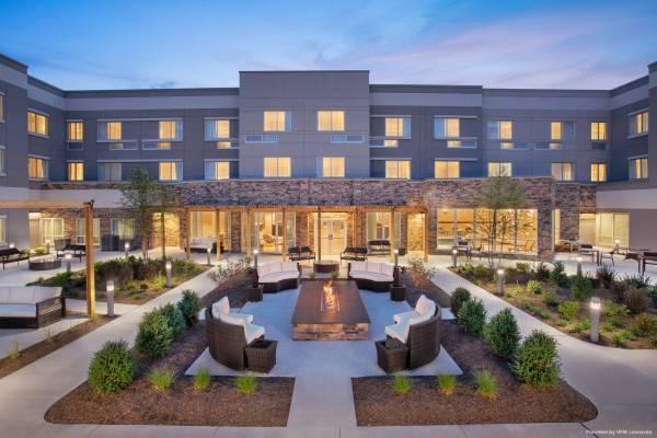 Hotel Courtyard Wayne Fairfield