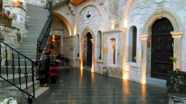 Hotel Elika Cave Suites