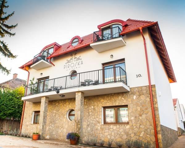 Hotel Piroska Villa