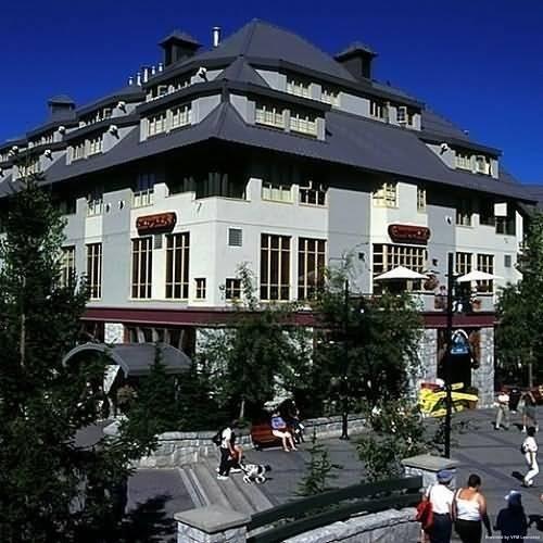 Hotel Raintree's Whiski Jack At Whistler Village Centre Whistler