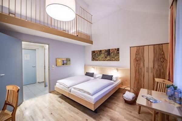 JUFA Hotel Bruck / Mur