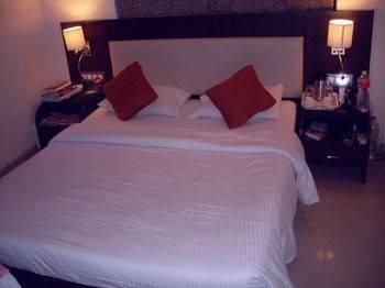 Hotel Signature Crest Goregaon