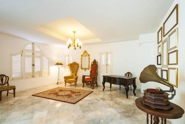 Hotel Dharasom Colonial House