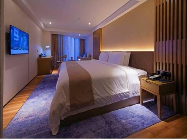 S hotel by BBhol