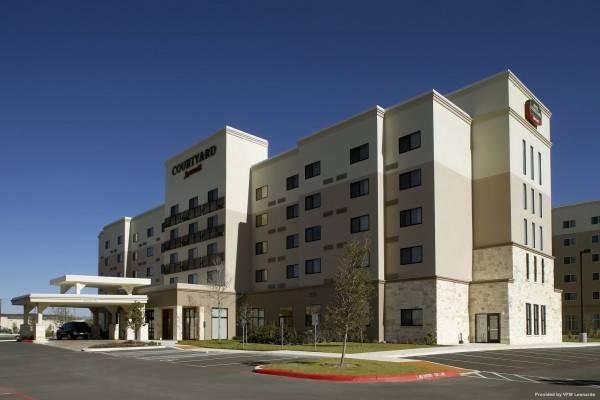 Hotel Courtyard San Antonio Six Flags® at The RIM