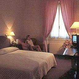 Poledrini Hotel