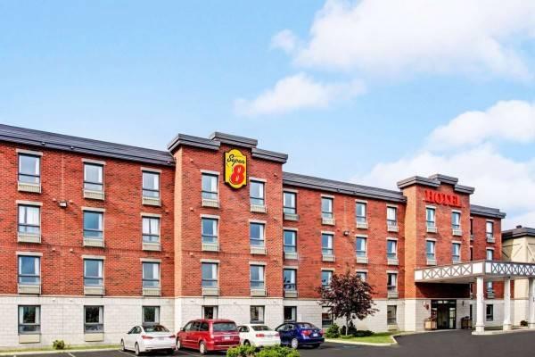 Hotel Super 8 by Wyndham Lachenaie/Terrebonne