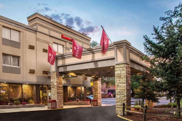 Hotel Ramada by Wyndham Denver Downtown