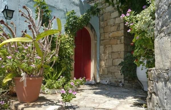 Hotel Arolithos Traditional Cretan Village