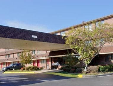 Hotel TRAVELODGE COLUMBIA WEST - 9736