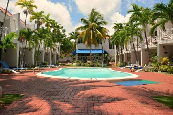 Hotel Chrisanns Beach Resort