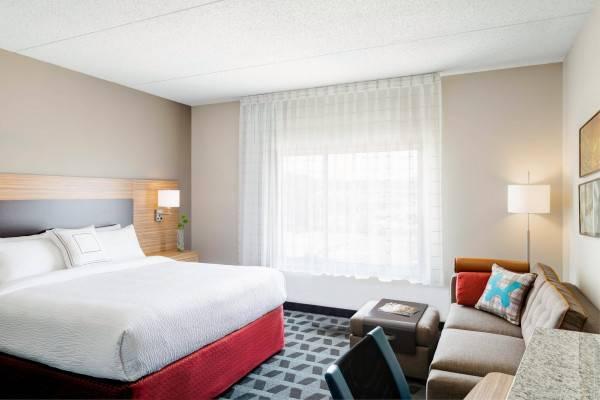 Hotel TownePlace Suites Petawawa