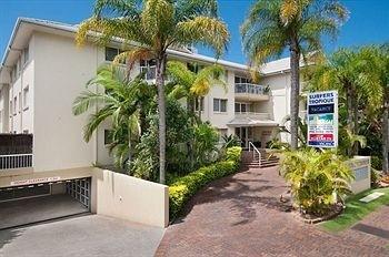 Hotel Surfers Tropique