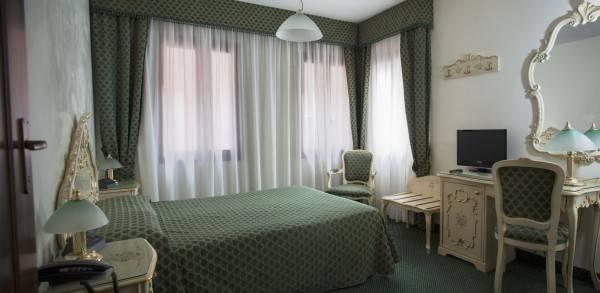 Hotel Pellegrino & Commercio