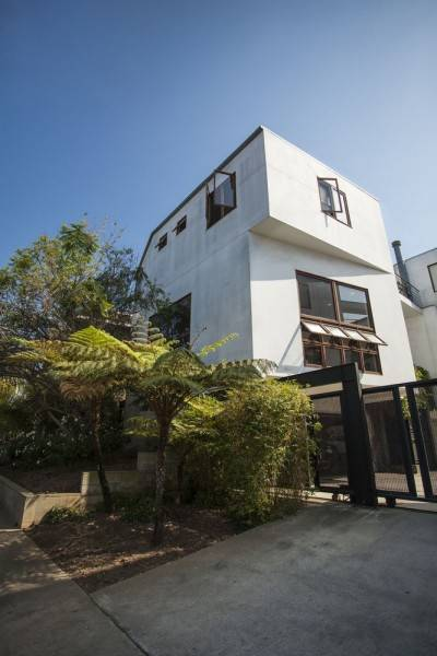 Hotel VE Contemporary Classic 2 Br townhouse by RedAwning