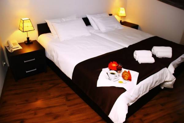 Hotel Shine on Rustaveli