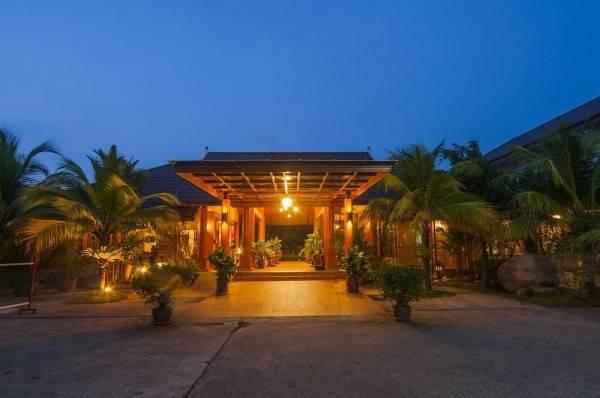 Hotel Kata Lucky Villa & Pool Access