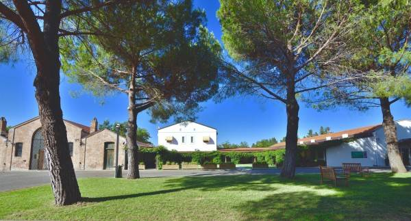 Hotel Masseria Macchia & Relais San Pio