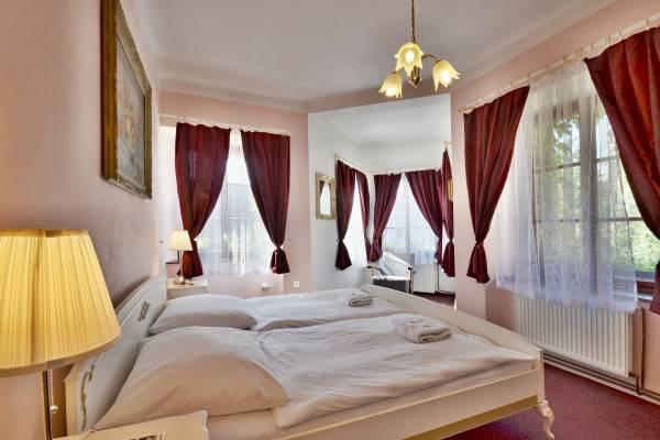 Hotel Bílá paní