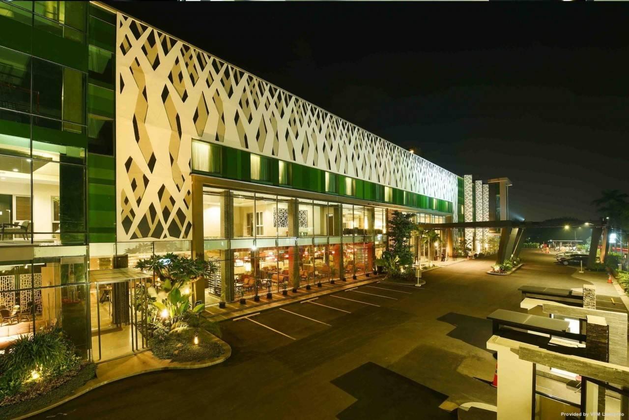 Holiday Inn Cikarang Jababeka In Cikarang Propinsi Jawa Barat Hrs