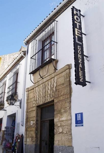 Hotel González