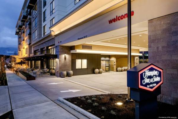 Hampton Inn - Suites by Hilton Seattle-Northgate