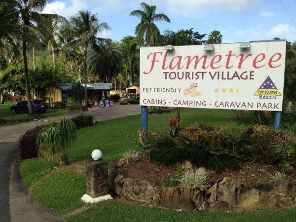 Hotel Flametree Village