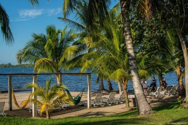 Hotel Amatique Bay Resort And Marina