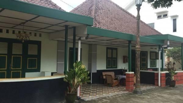 Hotel Pamularsih Homestay