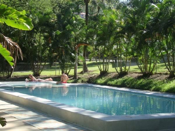 Hotel Base Airlie Beach Resort