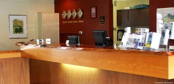 COUNTRY COMFORT AIRPORT GATEWAY HOTEL