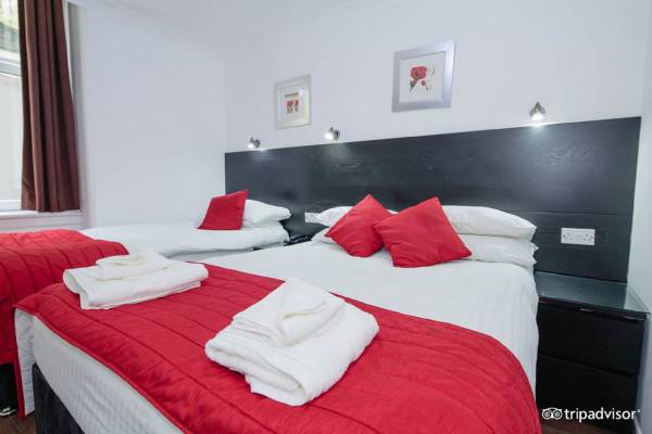 OYO Charing Cross Hotel Guest House