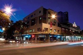 Base Backpackers Brisbane Uptown - Hostel