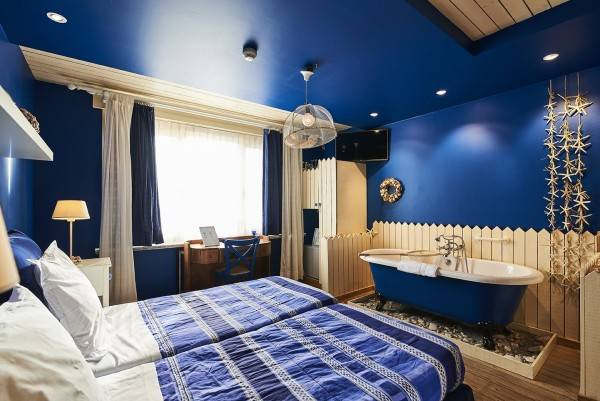 Hotel Full House